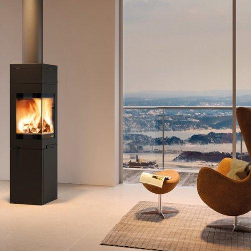 Quadro 3 - печь-камин из стали с эмалевой защитой черного цвета