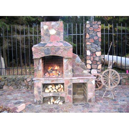 Оригинальная печь барбекю для небольшого дачного участка