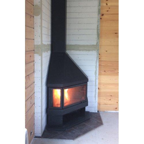 Угловая печь с элегантным корпусом из огнестойкой стали