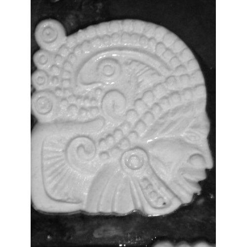 Декоративный элемент для камина