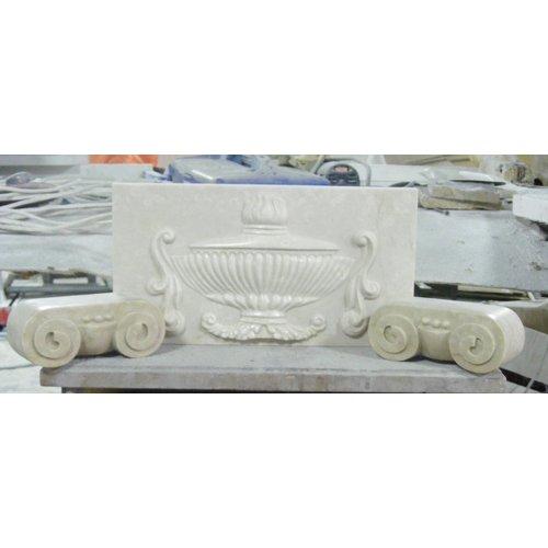 Декоративный фрагмент камина